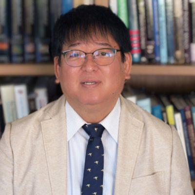 教授 板 倉  昭二